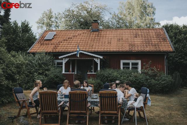 Học lối sống hạnh phúc của người Thuỵ Điển: Nói chuyện là bạc, im lặng là vàng, ăn mặc đơn giản, thẳng thắn kiệm lời  - Ảnh 3.