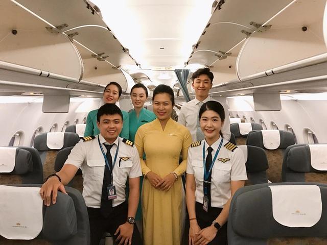 Tiểu sử ít biết về nữ cơ trưởng Huỳnh Lý Đông Phương: Từng lén gia đình đi thi lái máy bay chiến đấu, muốn làm phi công nhưng bị say máy bay - Ảnh 16.
