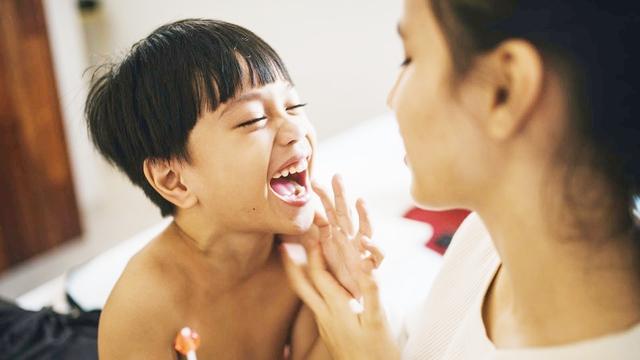 10 dấu hiệu chứng tỏ đứa trẻ rất thông minh, cha mẹ hãy đọc ngay để bồi dưỡng cho con - Ảnh 2.