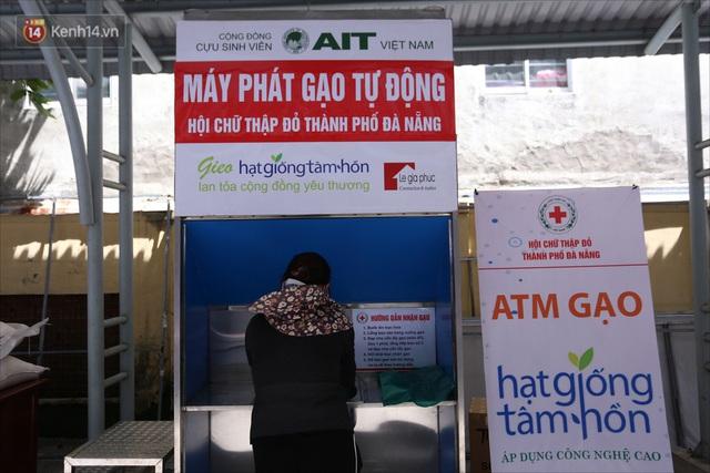 ATM gạo ứng dụng trí tuệ nhân tạo tại Đà Nẵng: Gọi điện hẹn trước 30 phút, nhận diện đúng người nghèo mới nhả gạo - Ảnh 3.