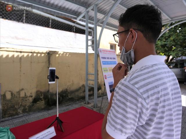 ATM gạo ứng dụng trí tuệ nhân tạo tại Đà Nẵng: Gọi điện hẹn trước 30 phút, nhận diện đúng người nghèo mới nhả gạo - Ảnh 13.