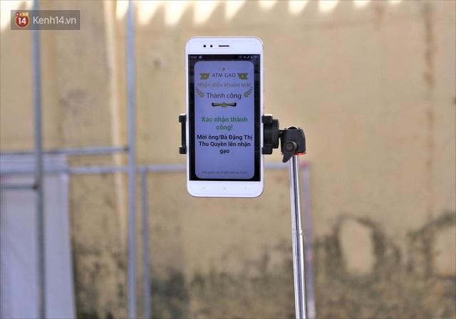 ATM gạo ứng dụng trí tuệ nhân tạo tại Đà Nẵng: Gọi điện hẹn trước 30 phút, nhận diện đúng người nghèo mới nhả gạo - Ảnh 7.