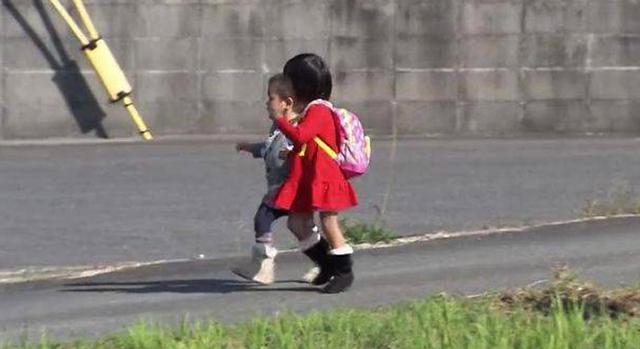 Mẹ Nhật Bản để con 3 tuổi đi chợ một mình: Cách giáo dục đặc biệt ở đất nước mặt trời mọc - Ảnh 1.