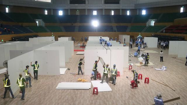 4 ngày 'biến' Cung thể thao rộng 94 nghìn m2 thành bệnh viện dã chiến  - Ảnh 1.