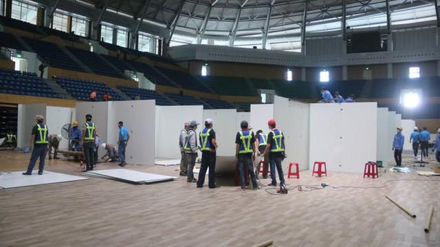 4 ngày 'biến' Cung thể thao rộng 94 nghìn m2 thành bệnh viện dã chiến  - Ảnh 13.