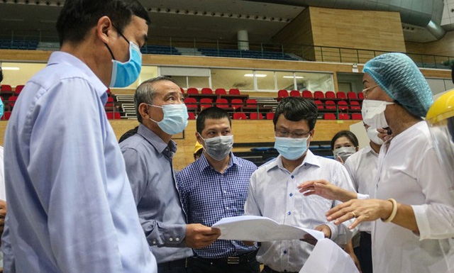 4 ngày 'biến' Cung thể thao rộng 94 nghìn m2 thành bệnh viện dã chiến  - Ảnh 17.
