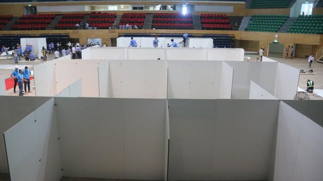 4 ngày 'biến' Cung thể thao rộng 94 nghìn m2 thành bệnh viện dã chiến  - Ảnh 6.