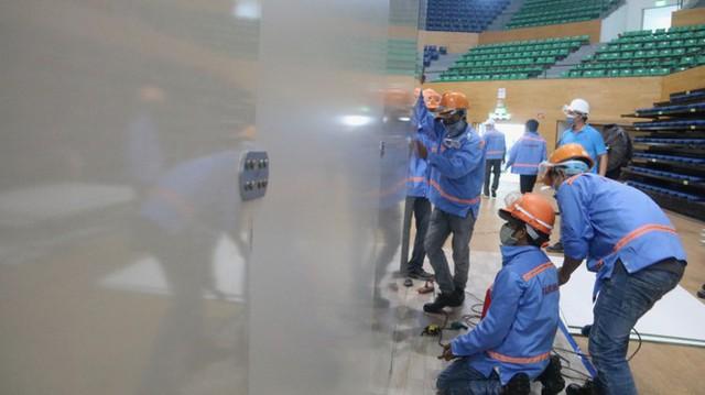 4 ngày 'biến' Cung thể thao rộng 94 nghìn m2 thành bệnh viện dã chiến  - Ảnh 9.