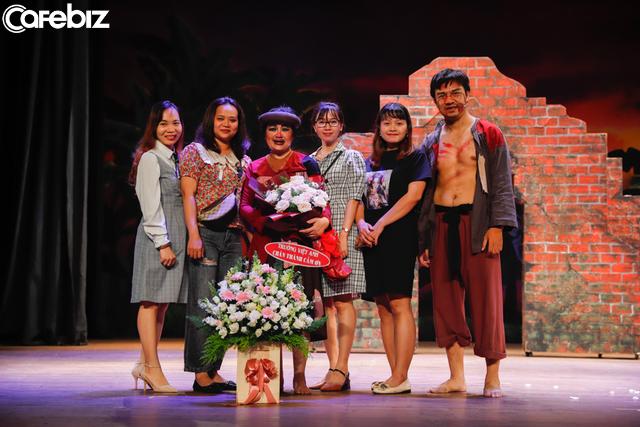 Lối sống trendy của giới trẻ hiện đại: Tìm về sân khấu kịch để khẳng định chất riêng - Ảnh 3.