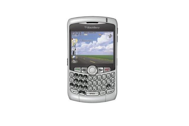Cùng nhìn lại những chiếc điện thoại BlackBerry tốt nhất đã thay đổi cả thế giới - Ảnh 9.