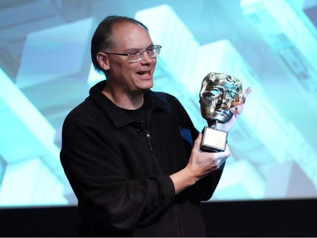 Cuộc đời và sự nghiệp của Tim Sweeney - tỷ phú đứng sau nhà phát hành game đang kiện Apple