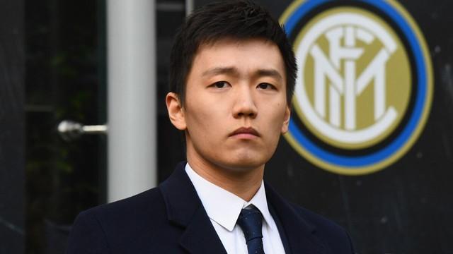 Chân dung thiếu gia 9x nhà giàu vượt sướng: Con của người giàu thứ 28 Trung Quốc, từng làm việc cho JP Morgan Chase và là chủ tịch CLB Inter Milan - Ảnh 1.