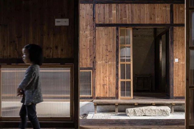 Thế chấp nhà ở thành phố, từ bỏ công ty riêng, hai vợ chồng về quê xây nhà gỗ hưởng đời an yên - Ảnh 9.