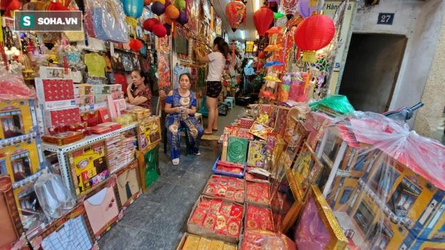 Cảnh tượng chưa từng thấy ở chợ cõi âm nổi tiếng Hà Nội - Ảnh 1.