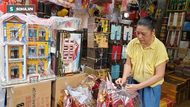 Cảnh tượng chưa từng thấy ở chợ cõi âm nổi tiếng Hà Nội - Ảnh 2.