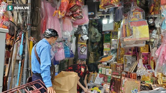 Cảnh tượng chưa từng thấy ở chợ cõi âm nổi tiếng Hà Nội - Ảnh 9.