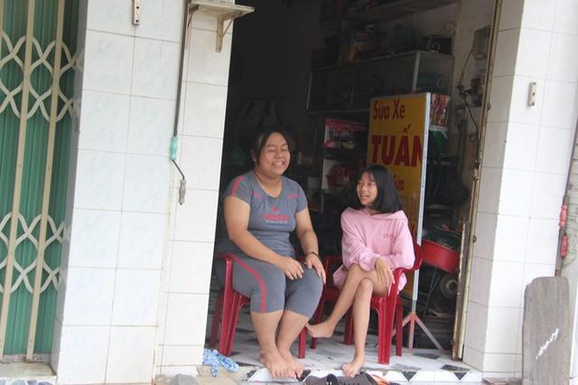 Phong tỏa khu vực bệnh nhân 595 cư trú, khoảng 900 nhân khẩu bị cách ly tại chỗ - Ảnh 3.