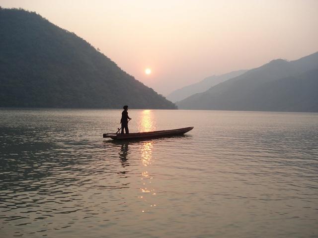 Khoe khả năng vượt sông chỉ bằng 1 cây lau, hòa thượng không nói lên lời khi bị hỏi vặn lại 1 câu và hồi kết đáng ngẫm - Ảnh 2.