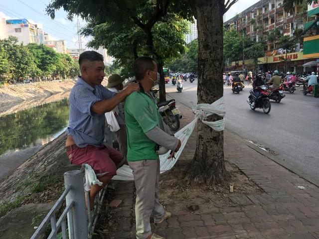 'Chợ người' Hà Nội ế ẩm vì dịch COVID - 19 - Ảnh 5.
