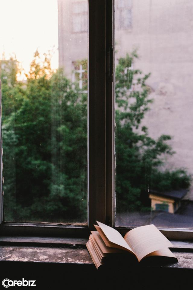 Người đọc sách có một sự thông thái và điềm tĩnh nhất định: Bí quyết đọc trăm cuốn sách mỗi năm từ chuyên gia hướng nghiệp  - Ảnh 2.