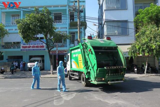 Đà Nẵng đảm bảo vệ sinh môi trường khu vực phong tỏa - Ảnh 2.