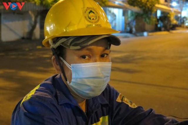 Đà Nẵng đảm bảo vệ sinh môi trường khu vực phong tỏa - Ảnh 7.