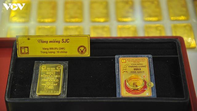 Giá vàng lên mức kỷ lục, đầu tư vàng rủi ro cao về phía người mua - Ảnh 2.