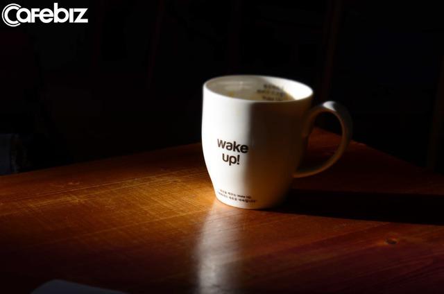 Thế gian này đang âm thầm thưởng cho những người dậy sớm: Ngủ sớm, dậy sớm khiến con người ta thông minh, giàu có, cơ thể khoẻ mạnh!  - Ảnh 1.