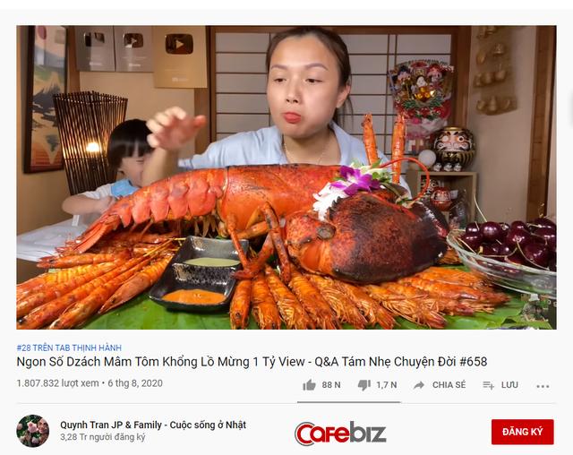 Cán mốc 1 tỷ view trên YouTube, Quỳnh Trần JP ăn mừng bằng tôm hùm Alaska, kể lại những lần lơ đi mà sống trước phản ứng thái quá của CĐM - Ảnh 1.