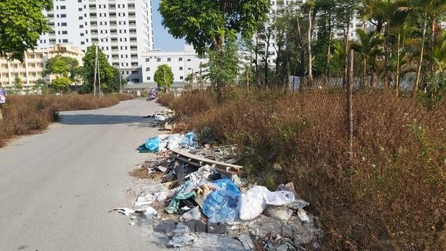 Rác ùn ứ, bốc mùi xú uế trong khu đô thị nghìn tỷ ở Thủ đô - Ảnh 5.