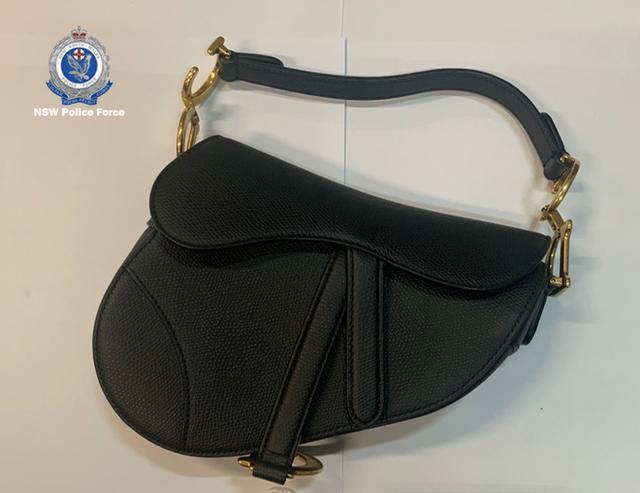 Fashion influencer Việt bị bắt tại Úc vì trộm số hàng hiệu hơn 800 triệu VNĐ, hóa ra là người từng bị bóc phốt ầm ĩ 3 năm trước - Ảnh 9.