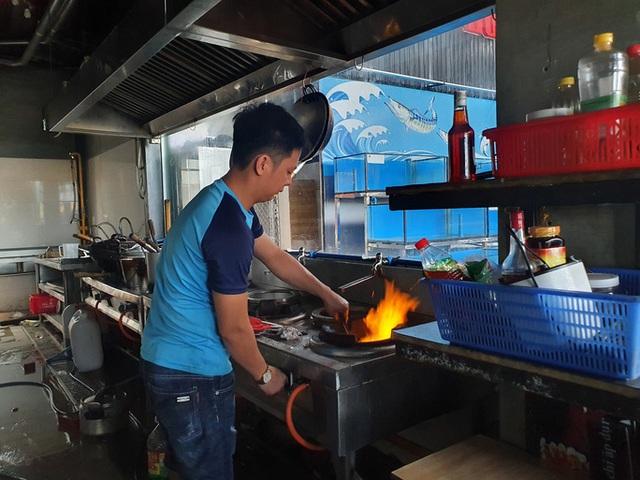 Đà Nẵng tất bật trước giờ G cho phép nhà hàng, quán ăn phục vụ tại chỗ  - Ảnh 4.