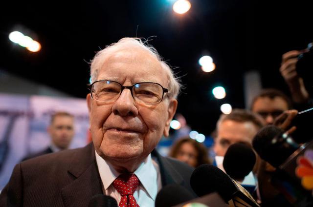 gettyimages 1141092412 1599819964124827269572 - Bạn Có Biết Warren Buffett Cũng Từng Liên Tiếp Mắc Sai Lầm?