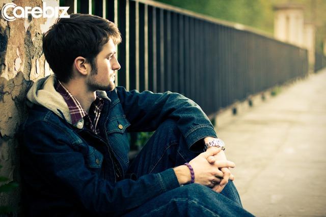 5 thói quen của đàn ông thấp cấp nhưng lại không tự nhận ra được - Ảnh 1.