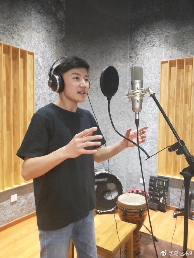 Cậu bé Mông Cổ hát về mẹ từng khiến hàng triệu người bật khóc hiện giờ ra sao? - Ảnh 18.