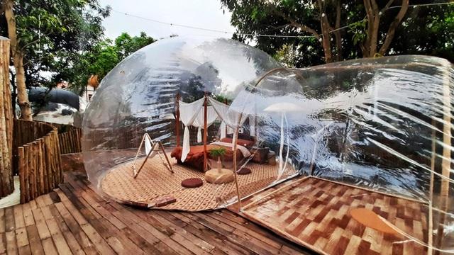 Trải nghiệm đi nghỉ cuối tuần hú hồn ở ngoại ô Hà Nội: Book villa 6 triệu/ đêm có nhà bong bóng ảo diệu giống Bali, khách ngơ ngác nhận phòng y như cái lều vịt - Ảnh 3.