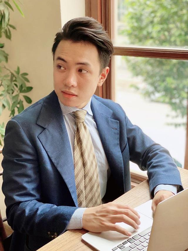 Người Việt đầu tiên đạt IELTS 9.0 cả thi giấy và máy tính: Thầy giáo soái ca chơi guitar điêu luyện, chủ 5 cơ sở luyện thi IELTS, vừa nhận học bổng 180 triệu để sang Úc du học - Ảnh 1.