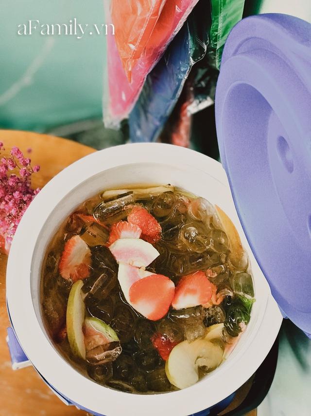 Một tiệm trà ở Sài Gòn treo biển chia sẻ nắng mưa cùng shipper: Miễn phí trà trái cây, cho sử dụng toilet miễn phí, tặng áo mưa khi thời tiết xấu - Ảnh 5.