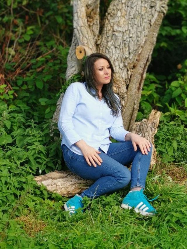 Người phụ nữ từng mặc kệ cảm nhận của gia đình để kết hôn với một cái cây giờ có cuộc sống như thế nào? - Ảnh 5.