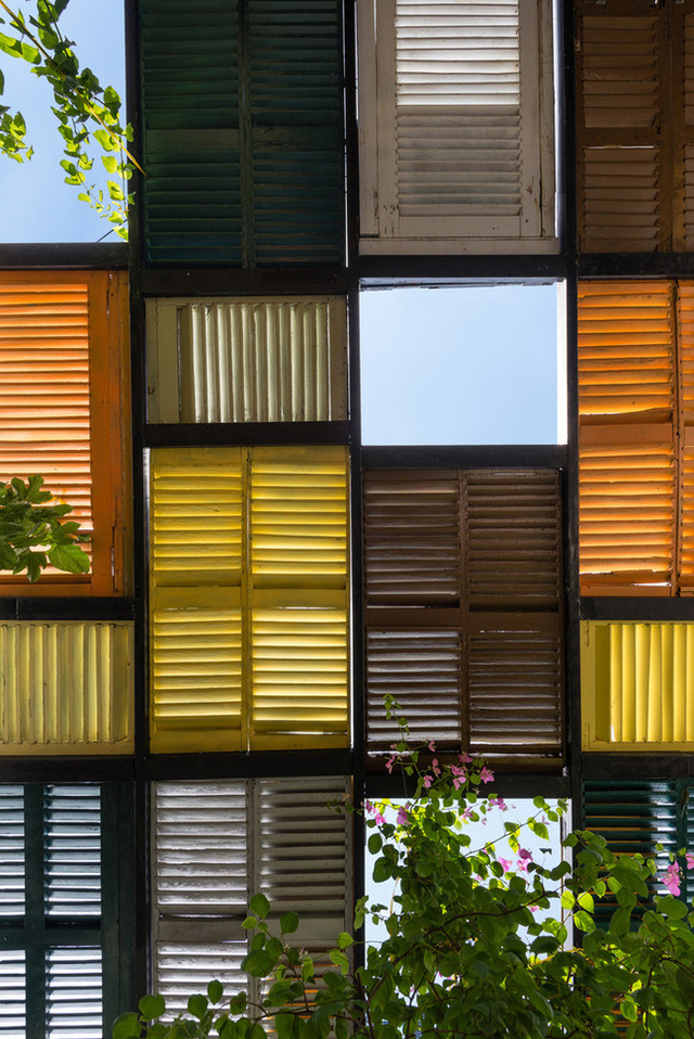 Tp.HCM: Căn nhà nhiều cửa sổ đẹp ngỡ ngàng sau khi được cải tạo bằng những đồ dùng bỏ đi - Ảnh 9.
