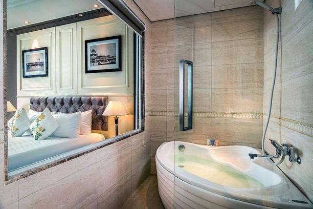 Khách sạn 4 sao có hồ bơi, view ngắm cảnh đêm Sài Gòn được rao bán với giá bất ngờ - Ảnh 4.