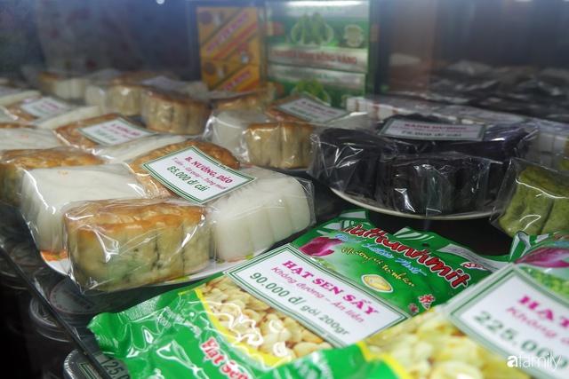Đều như vắt tranh, năm nào người Hà Nội cũng nô nức xếp hàng mua bánh trung thu truyền thống - Ảnh 6.