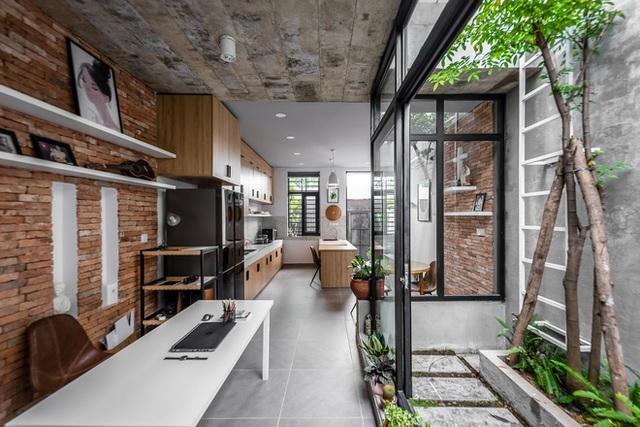 Độc đáo căn nhà gia chủ không tiếp khách, bếp trở thành khu vực trung tâm - Ảnh 7.