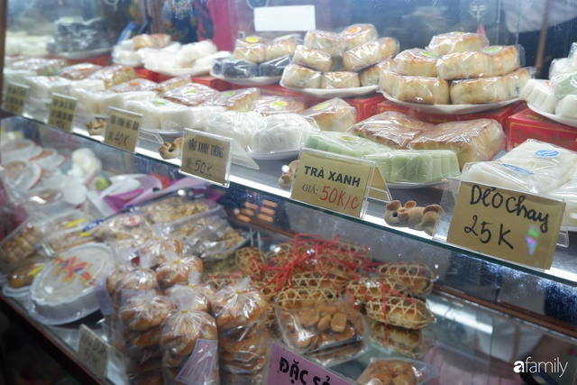 Đều như vắt tranh, năm nào người Hà Nội cũng nô nức xếp hàng mua bánh trung thu truyền thống - Ảnh 8.