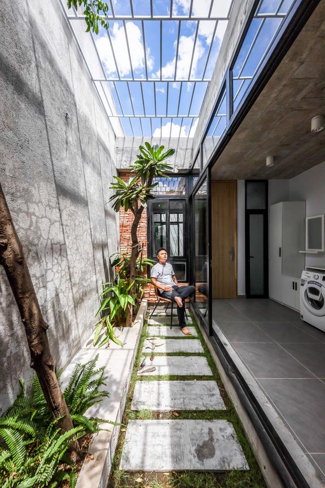 Độc đáo căn nhà gia chủ không tiếp khách, bếp trở thành khu vực trung tâm - Ảnh 10.