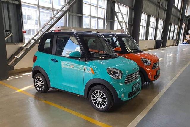 Ô tô hai chỗ nhỏ nhưng có võ, bán rẻ như xe máy ở Việt Nam - Ảnh 12.
