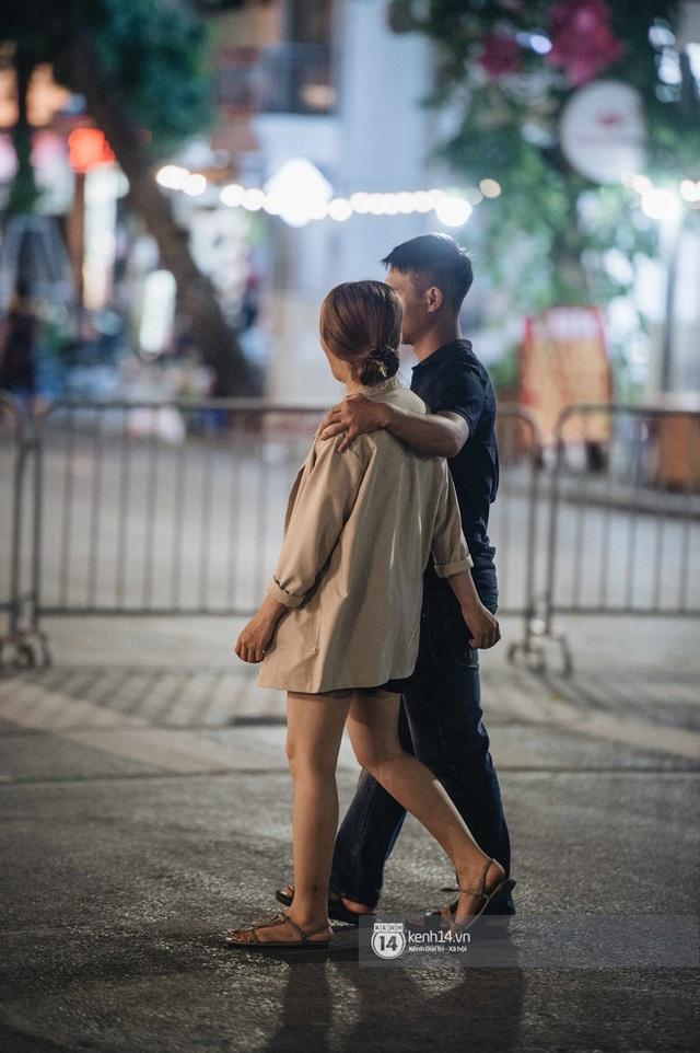 Tạ Hiện trở lại ngày Hà Nội trở lạnh: Người đông nghịt không có chỗ nhích chân! - Ảnh 5.