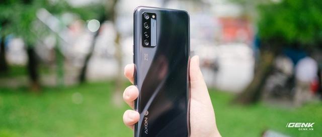 Trên tay smartphone có camera ẩn dưới màn hình đầu tiên trên thế giới: Chất lượng không như kỳ vọng - Ảnh 5.