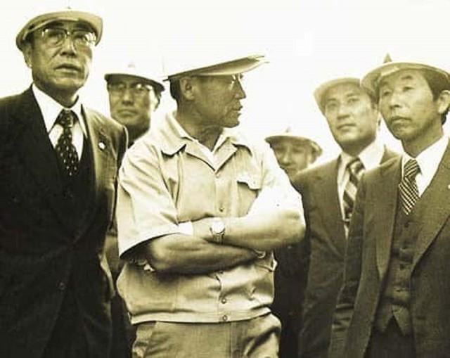 Chuyện đời như phim Hàn Quốc của nhà sáng lập đế chế tỷ USD Hyundai: Nghèo đói, tai nạn, chiến tranh đều không khuất phục được ý chí khởi nghiệp - Ảnh 3.