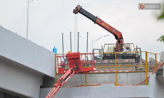 Cận cảnh cầu cạn Mai Dịch - Nam Thăng Long đã rải nhựa xong chờ ngày thông xe - Ảnh 14.